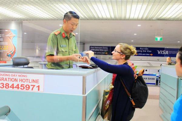 Xin visa tại Sân bay